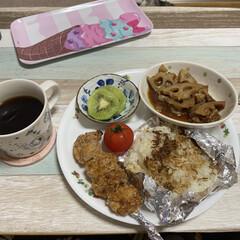 残り物/コーヒー/食事情 今日のお昼でーす🙋♀️ 主婦の醍醐味、…