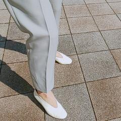 靴/シューズ/白シューズ/黒シューズ/スニーカー/足元コーデ 春らしい暖かな気候が続いていますね!様々…