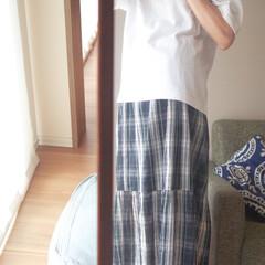 Tシャツコーデ/スカート/白Tシャツ/ユニクロ/エアリズムTシャツ/大人カジュアル/... Tシャツコーデ。今年はウエストアウトして…