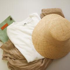 今日のコーデ/夏コーデ/帽子/Tシャツ/UNIQLO/DHOLIC 暑いですね。毎日帽子が欠かせません。エア…