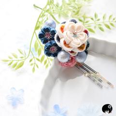あぼかぼつまみ細工 モダンなお花が咲きました✨ そして、手染…