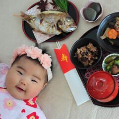 お食い初め/ベビー/食事情 娘のお食い初めの様子です。 初めてのご飯…