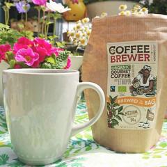 花のある生活/花のある暮らし/diyウッドデッキ/庭/お外でコーヒー/コーヒータイム/... お気に入りのダイソーマグカップ☕💕✨  …