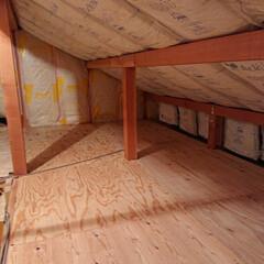 屋根裏部屋/小屋裏収納/小屋裏/DIY/住まい/リフォーム/... 小屋裏diy 床を14畳張りました