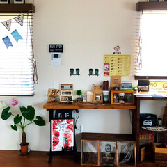 マイホーム/ウッドテイスト/観葉植物/ステッカー/メニュー/スタバ/... DIYしたカウンターテーブルをディスプレ…