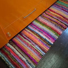 編み物/キッチンマット/ダイソー/100均/キッチン雑貨/キッチン/... 100均の毛糸で編んだ キッチンマットで…