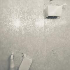 お風呂場/収納/住まい 去年、スッキリさせたくて元々取り付けてあ…(1枚目)