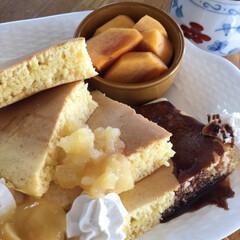 遅めの朝食/ホイップクリーム/安納芋バター/りんごバター/ホットケーキ いいお天気です☀️🤗 1週間終わりました…