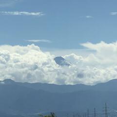 雲がいっぱい/富士山 ジャーン‼️ 今日の富士山🗻‼️  ん⁉…