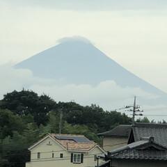 富士山 見えたー‼️ 久々の富士山🗻 頭にはかさ…