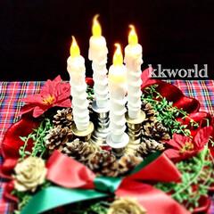 アドベントクランツ/クリスマス/クリスマスオブジェ/Christmas/クリスマスデコレーション/松ぼっくり ダイソーののLEDロウソクとフェイクグリ…