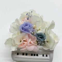 インテリア プリザーブドフラワー 陶器製のピアノで飾…(4枚目)