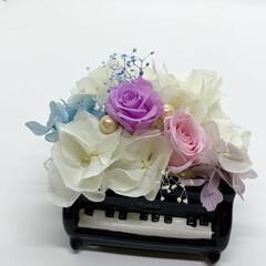 インテリア プリザーブドフラワー 陶器製のピアノで飾…(2枚目)
