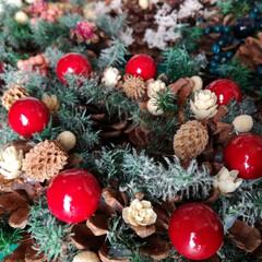 クリスマス/リース/ドライフラワー/プリザーブドフラワー/グルーガン/ハンドメイド/... まるでケーキのようなまつぼっくりのクリス…