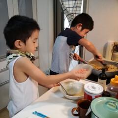 七歳/5歳/料理男子/息子/料理 我が家の小さなコックたち。 休みの日には…