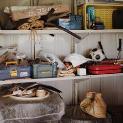 倉庫/納屋/ニオイ/穀物/米/果物/... 都会ではなかなか見ない光景ですが、工具な…