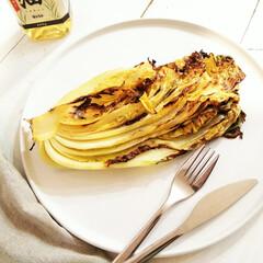 白菜/オーブン焼き/ごはん 白菜にアンチョビを挟み、米油をかけて、オ…