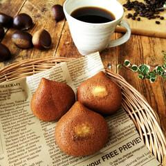 マグカップ/栗/マドレーヌ コーヒーのバターケーキ生地に、栗の甘露煮…