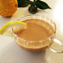 柚子/紅茶/ミルクティー 柚子の皮と一緒に蒸らした紅茶に、牛乳と甘…