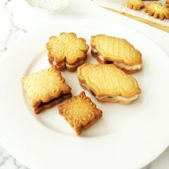 バターサンド/ガナッシュ/雨季ウキフォト投稿キャンペーン ひとつ前のフォトに載せたクッキーの型の、…
