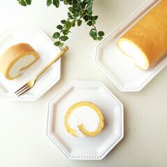 チーズクリーム/ロールケーキ/シフォン生地/プミラ/クリーム チーズクリームをたっぷり巻きこんだロール…