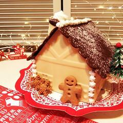 チョコの家/ジンジャーマンクッキー/クリスマス2019 ひとつ前に載せたチョコレートの家の、完成…