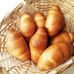 ワックスペーパースタンダード カカオ 50枚入(ワックスペーパー)を使ったクチコミ「塩パンを焼きました。 休みの日、焼きたて…」