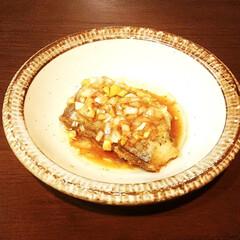 太刀魚/ねぎ/ソース 冷凍していた太刀魚に塩コショウと片栗粉を…