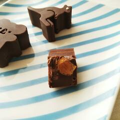 アーモンド/チョコレート/オーストラリア ひとつ前に載せた、オーストリア土産の型で…