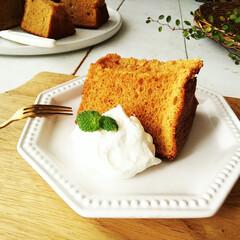 シフォンケーキ/キャラメル/はらぺこグルメ 甘くてほろ苦いキャラメルクリームを、生地…