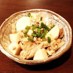 里芋/おかず/豚肉 里芋と豚肉の炒め物。 里芋は茹でてから炒…