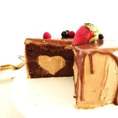 チョコレート/ケーキ/いちご 1つ前に載せたケーキの断面です。 クリー…