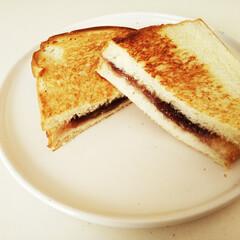 ホットサンド/こしあん/朝食 こんがりサクッと焼いた、こしあんのホット…