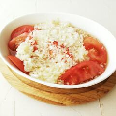 トマト/サラ玉/ドレッシング さっぱりした料理が美味しく感じる季節にな…