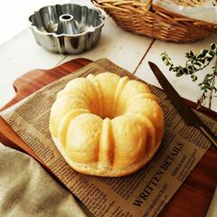 パン/食パン/牛乳 先日はクグロフ型でパンを焼きましたが、今…