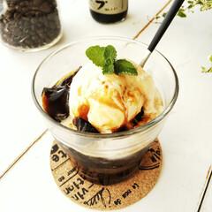 コーヒーゼリー/黒糖/バニラアイス コーヒーゼリーに、バニラアイスと黒糖シロ…