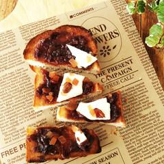 あんこ/クリームチーズ/ドライフルーツ 最近ハマっているデザートトースト。 餡バ…
