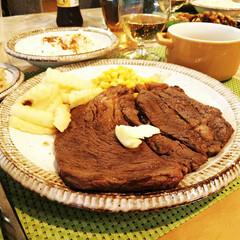 母の日/ステーキ/夕食 母の日にこどもたちが夕食を作ってくれまし…