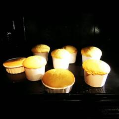 シフォンケーキ/カップケーキ/ミニ ミニミニカップでシフォンケーキを焼きまし…