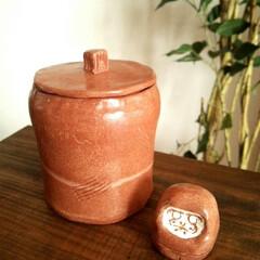 オーブン陶芸/壷/ハンドメイド オーブン陶芸で作った、蓋つきの容器です。…