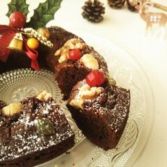クリスマス/ブラウニー/チョコレートケーキ ひとつ前に載せたリース風ブラウニーケーキ…