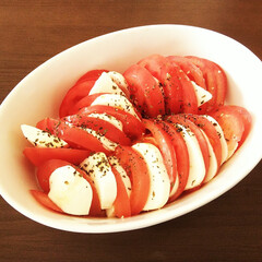 モッツァレラチーズ/トマト/カプレーゼ トマトとモッツァレラチーズのカプレーゼ風…