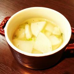 かぶ/スープ/中華スープ/ごま油/黒胡椒 畑のかぶのスープ。 この冬はなぜか突然、…