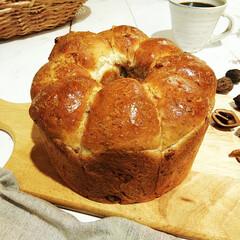 """食パン/ライ麦/和くるみ/ちぎりパン/食欲の秋 娘から""""ライ麦とくるみのパンの焼きたてを…"""