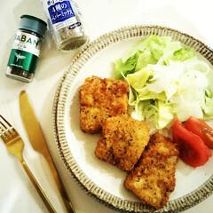 うちの定番料理/バジル/白身魚/フライ/夕飯 ドライバジルで風味をつけた衣をまぶして揚…