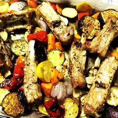 オーブン焼き/スペアリブ/夏野菜/令和元年フォト投稿キャンペーン 夫が作った、ハーブが効いた夏野菜とスペア…