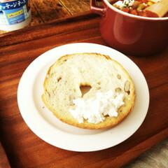 ベーグル/カッテージチーズ/トースト 昨日載せたベーグルに、今日はカッテージチ…