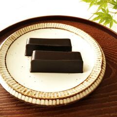練りごま/水ようかん/おやつ お茶のおともに、黒練りごま入りの水ようか…