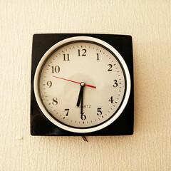 令和元年フォト投稿キャンペーン/時計/くも あれれ、時計から足が…! なんと大きな蜘…