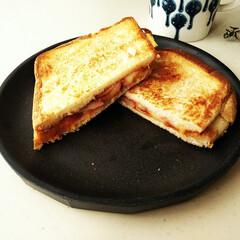 食パン/ハム/ホットサンド お歳暮でいただいた美味しいハムを贅沢に使…